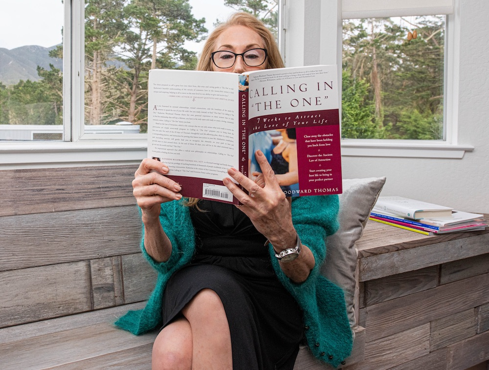 Dale Sparage reading Conscious Uncoupling book